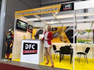 Hosteska na Autoshow v Praze