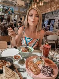 Influencer for healthy restaurant Getfresh in Bangkok